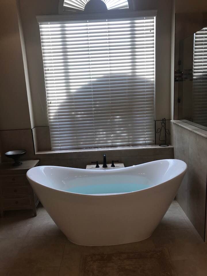 67 3/4x29 1/8 Freestanding Slipper Style Bathtub BRF-85 - BathTubs.com